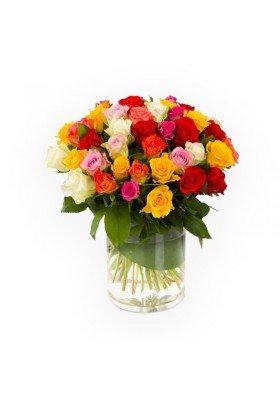 Florero con rosas multicolor