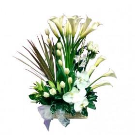 Flores finas en canasta