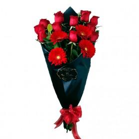 Ramo de 12 rosas y gerberas