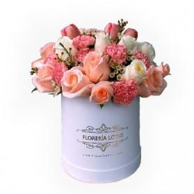Box con tulipanes, rosas y claveles