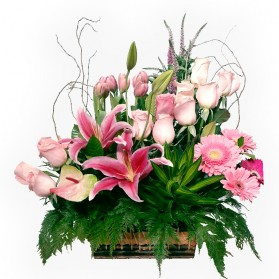 Canasta con flores finas